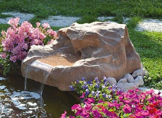 Picture of Roccia artificiale con sorgente Sirmione