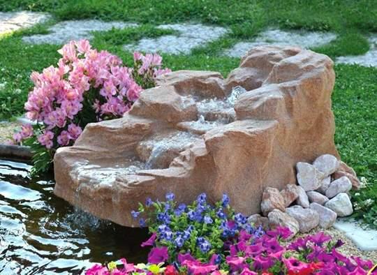 Picture of Roccia artificiale con sorgente Tonale